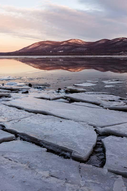 Cracked Ice, Hudson River