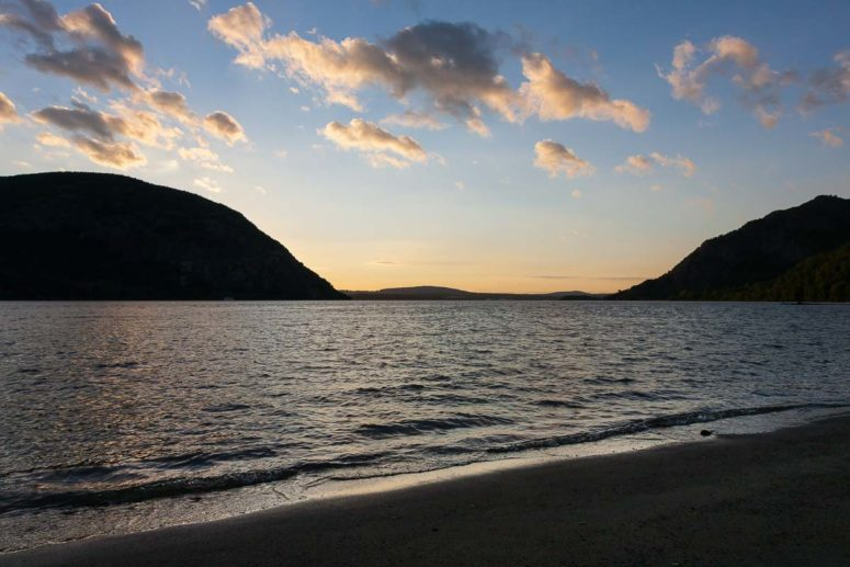 Hudson Surf, Hudson River